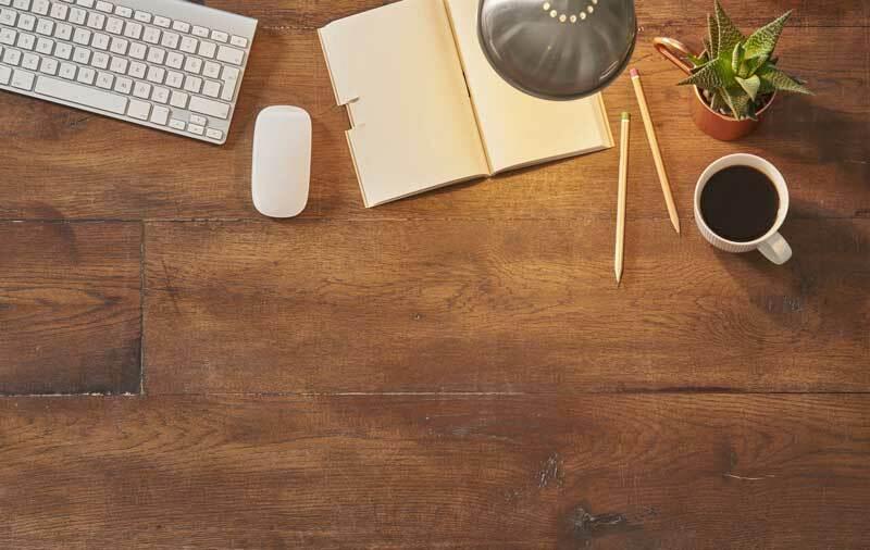 Fernstudenten-Schreibtisch