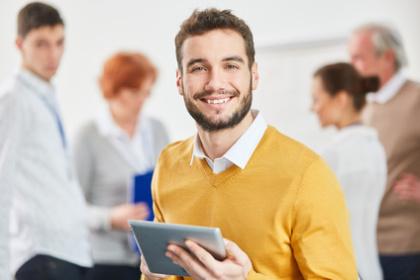 MBA Betriebswirt mit Tablet-PC